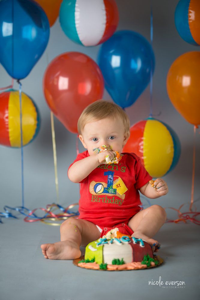 Baby's first year portraits by Nicole Everson