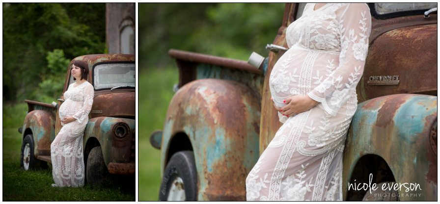 vintage truck maternity picture