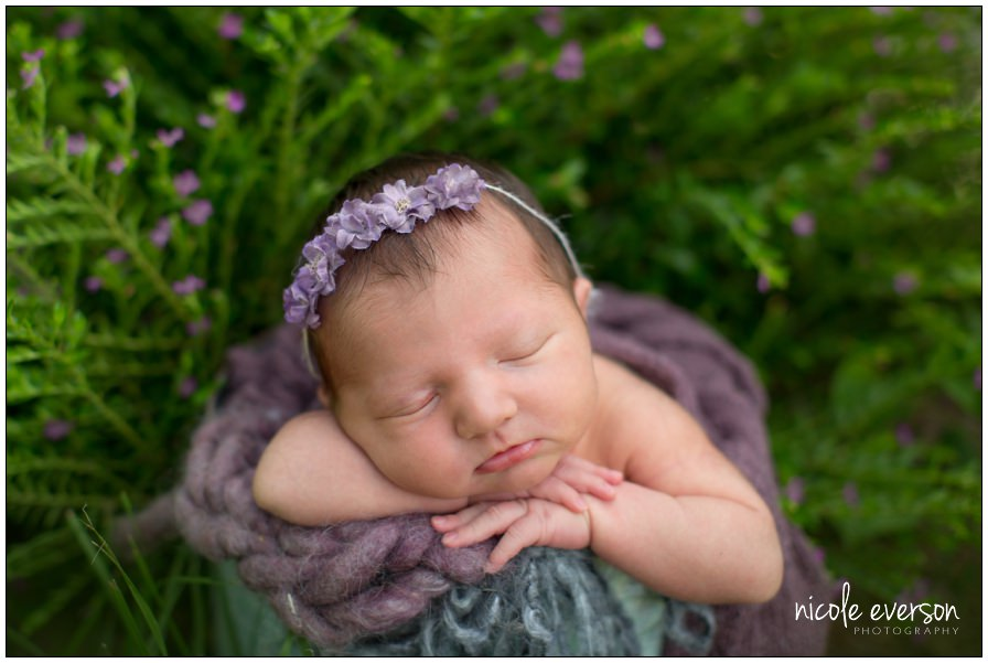 outside newborn baby pictures