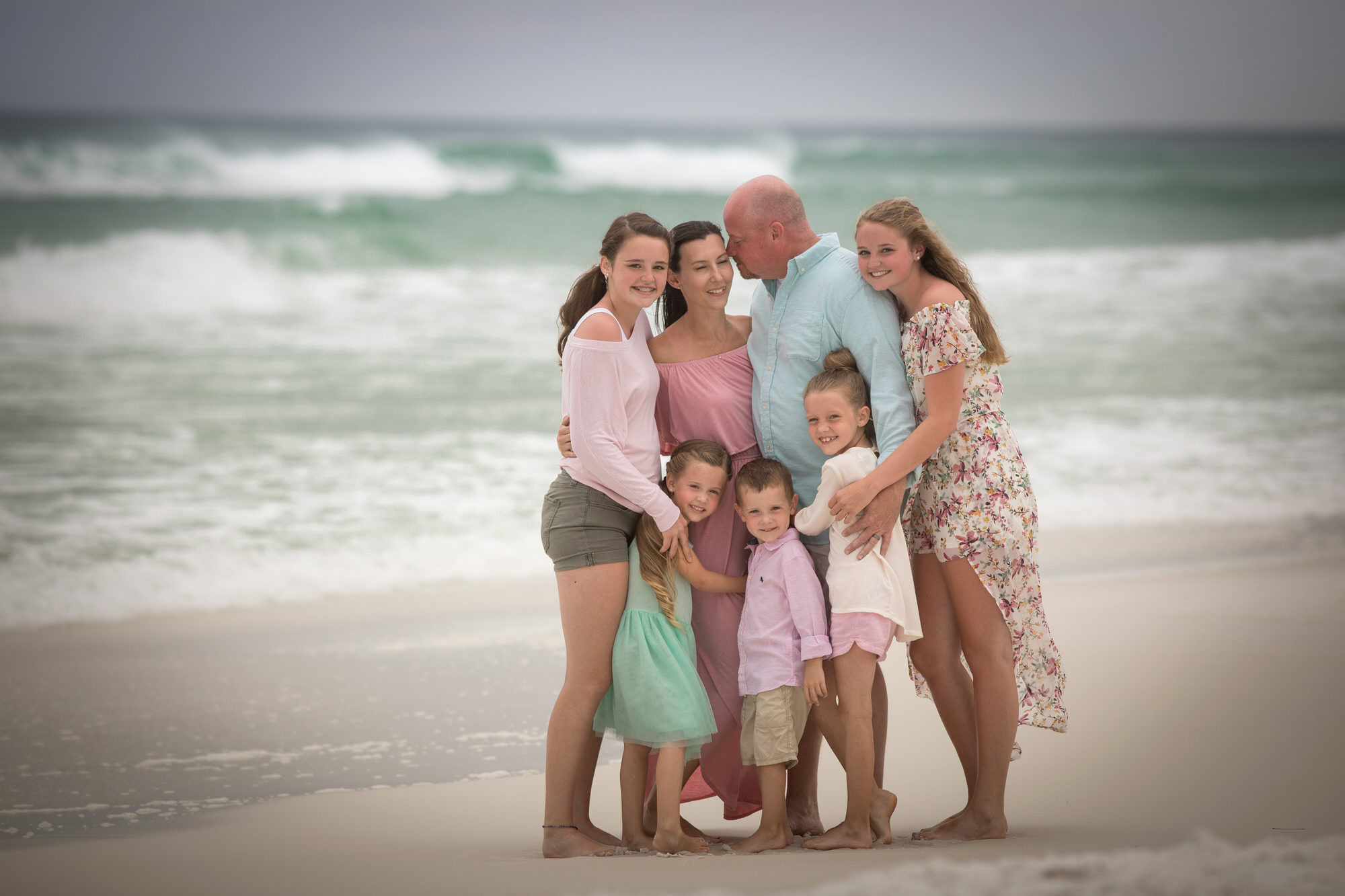 large beach family photo by Nicole Everson Photography